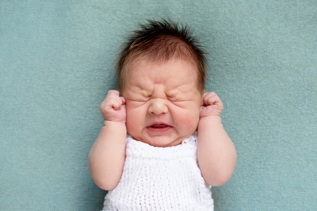 گریه نوزاد یک ماهه